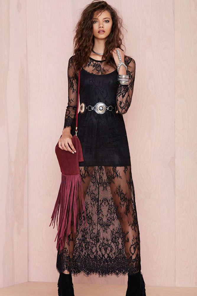 Robe de dentelle noir