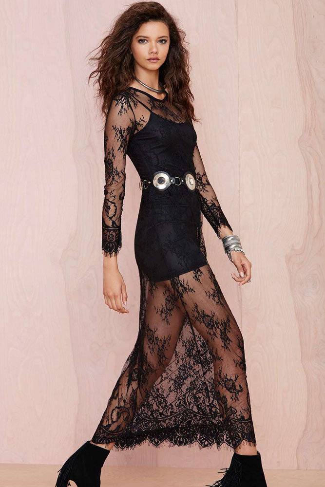 3cd8533f1ee6 Longue robe noire avec bas