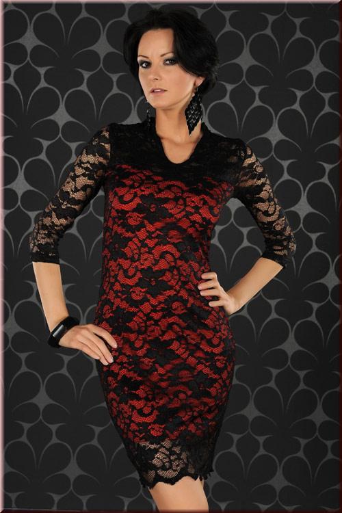 a547d953a9b7d Robe rouge et noire en dentelle avec manches courtes. Cliquer pour agrandir