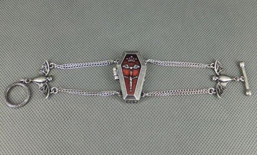 bracelet cercueil poison et chauve souris compartiment. Black Bedroom Furniture Sets. Home Design Ideas