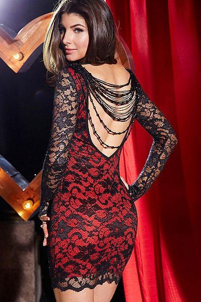 d95af3101e622 Robe rouge avec dentelle noire avec perles élégante, robe de soirée. Cliquer  pour agrandir